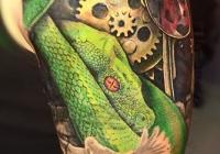 Invictus-Tattoo-Budapest-Berlin-Berta-Mihaly-Peter-Kacsa-tetovalo-tattooist-artist-maori-realistic-realistisch-biomechanic-schlange-snake