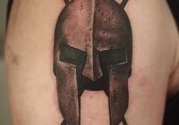 Invictus-Tattoo-Budapest-Berlin-Berta-Mihaly-Peter-Kacsa-tetovalo-tattooist-artist-maori--helmet-helm
