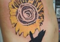 Invictus Tattoo Budapest Berlin Berta Mihaly Peter Kacsa tetovalo tattooist artist blume sonnenblume sunflower
