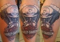 Invictus-Tattoo-Budapest-Berlin-Berta-Mihaly-Peter-Kacsa-tetovalo-tattooist-artist-harley