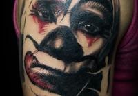 invictus-tattoo-berlin-Biro-Blanka-tetovalo-tattooist-tattoo-artist-clown-bohoc-abstrakt