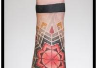 invictus-tattoo-berlin-Biro-Blanka-tetovalo-tattooist-tattoo-artist-dotwork-farbe-mandala