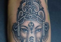 Invictus-Tattoo-Berlin-Budapest-tattoo-artist-taetowiererin-Zsofia-Sophie-Buza-ganesha