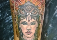 Invictus-Tattoo-Berlin-Budapest-tattoo-artist-taetowiererin-Zsofia-Sophie-Buza-indian-lany-bagoly-owl-eule-inder-maedchen