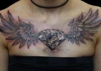 Invictus-Tattoo-Budapest-Berlin-Bori-Falvay-tetovalo-tattooist-artist-realistic-diamant-wings-flügel