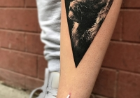 invictus-realistic-löwe-lion-tattoo-borifalvay-blackandgrey-budapest-berlin
