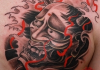 Invictus-Tattoo-Berlin-Budapest-tattoo-artist-taetowierer-Csaba-Koszegi-old-new-school-schwarz-rot