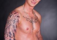 Invictus-Tattoo-Berlin-Budapest-tattoo-artist-taetowierer-Csaba-Koszegi-angel-engel