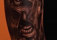 Invictus-Tattoo-Berlin-Budapest-tattoo-artist-taetowierer-Csaba-Koszegi-soldat-warrior-schwarz-realistic-realistisch