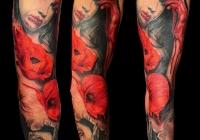 Invictus-Tattoo-Budapest-Berlin-tetovalo-studio-Laszlo-Laci-Kovacs-realistic-realistisch-blume-mohnblume-flower