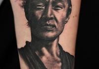 Invictus-Tattoo-Budapest-Berlin-tetovalo-studio-Laszlo-Laci-Kovacs-realistic-realistisch-portrait-schwarz
