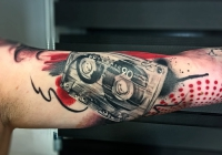 Laci Invictus Tattoo Berlin 012