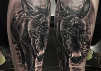 invictus-tattoo-berlin-budapest-laci-kovacs-realistic-scharzweiss-blackandgrey-portait-esel-animal-donkey