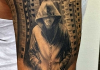 invictus-tattoo-berlin-budapest-laci-kovacs-realistic-scharzweiss-blackandgrey-portait-man-building-city
