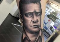 invictus-tattoo-berlin-budapest-laci-kovacs-realistic-scharzweiss-blackandgrey-portait-oldschool