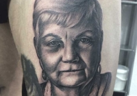 invictus-tattoo-berlin-budapest-laci-kovacs-realistic-scharzweiss-blackandgrey-portait-portre-2