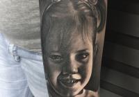 invictus-tattoo-berlin-budapest-laci-kovacs-realistic-scharzweiss-blackandgrey-portait-portre-4