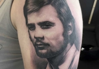 invictus-tattoo-berlin-budapest-laci-kovacs-realistic-scharzweiss-blackandgrey-portait-portre
