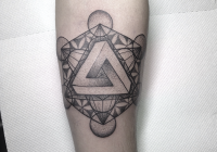 invictus-tattoo-berlin-budapest-rebecca-dotwork-geometric-linework-blackwork-(2)