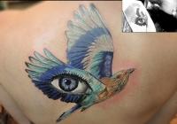 nvictus-Tattoo-Budapest-Berlin-Szilvasi-Gyula-tetovalo-tattooist-artist-Natur-flora-fauna-realistic-realistisch-bird-vogel-eye-auge