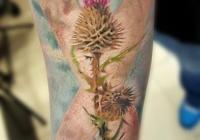 nvictus-Tattoo-Budapest-Berlin-Szilvasi-Gyula-tetovalo-tattooist-artist-Natur-flora-fauna-realistic-realistisch-Schottland-Blume-watercolor