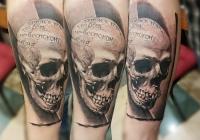 Invictus-Tattoo-Budapest-Berlin-Teglas-Attila-tetovalo-realistic-skull-totenkopf