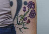 Invictus-Tattoo-Berlin-Tekla-flower