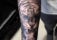 Zsolt Invictus Tattoo Berlin 27
